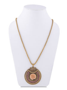 Insia MIdnight Glare Fashion Pendant Necklace